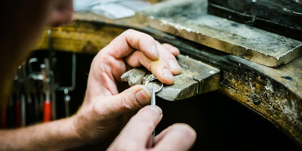 Repairing a diamond ring